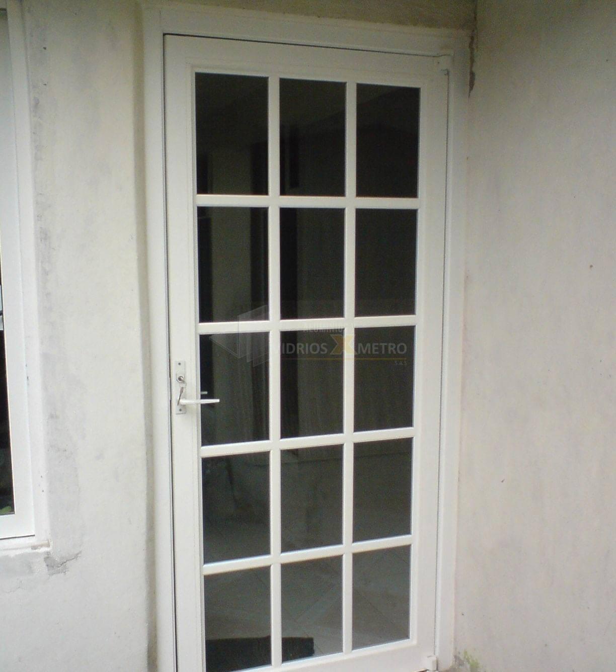 Puertas en aluminio y o vidrio vidrios x metro s a s - Puerta de aluminio y vidrio ...